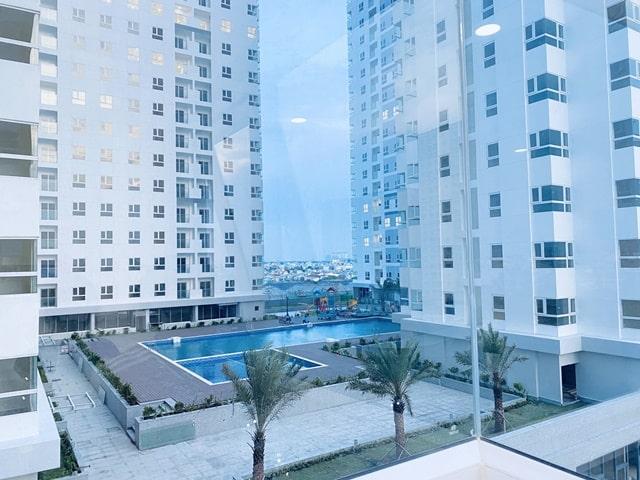 View nhìn từ căn hộ ra khu hồ bơi, công viên tầng 3 dự án City Gate 2